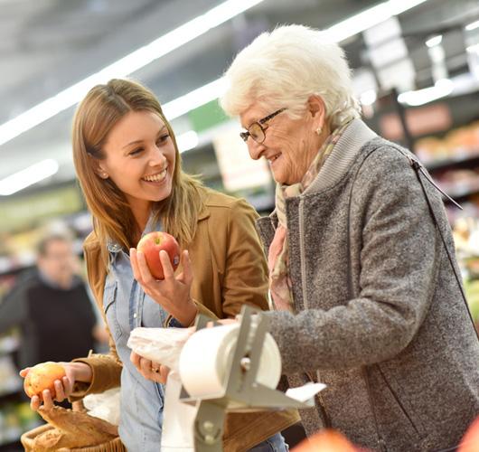 aide-a-la-personne-offre-accompagnement-courses-1